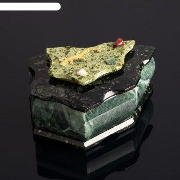 Ларец 5 гранный с ящеркой и камнями