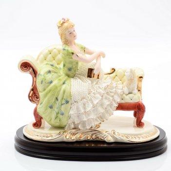 Статуэтка на деревянной подставке royal classics 24x30