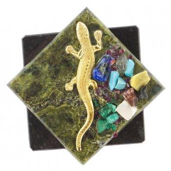Магнит ящерица ромб змеевик 70x70x10 мм 75 гр.