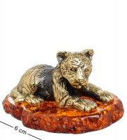 Am-1569 фигурка тигренок лежащий (латунь, янтарь)