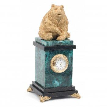 Часы медведь змеевик 105х105х230 мм 1900 гр.
