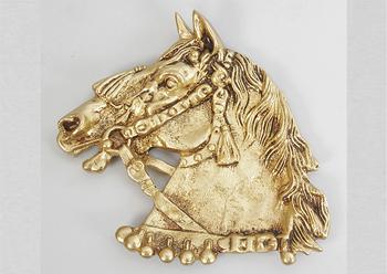 Пепельница из бронзы лошадь зол. 17х20 см