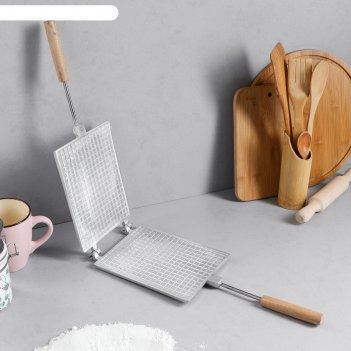 Форма для выпечки вафель прямоугольная, с деревянными ручками