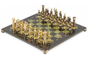 Шахматы римские фигуры из бронзы, доска из змеевика 40х40см