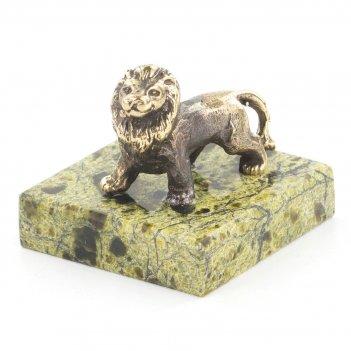 Статуэтка лев малый змеевик бронза 35x35x45 мм 40 гр.