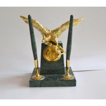 Часы из зеленого мрамора с двуглавым орлом