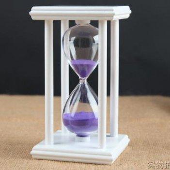 Песочные часы белые с фиолетовым песком на 60 минут