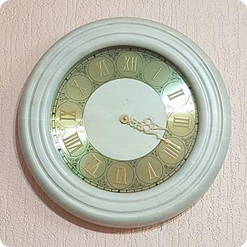 Часы 02 белый дуб