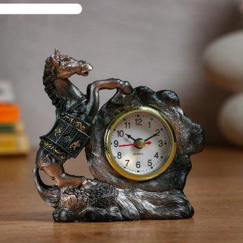 Часы настольные конь d=5.5 см, 1 аа, дискретный ход