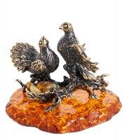 Am-1257 фигурка голубки на гнезде (латунь, янтарь)