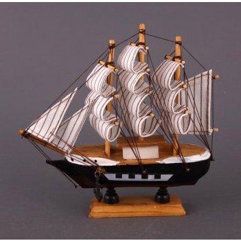 Модель корабля высота=15 см длина=15 см