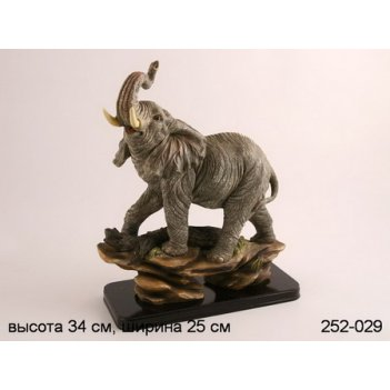 Фигурка слон цвет.карт.упак. высота=37 см