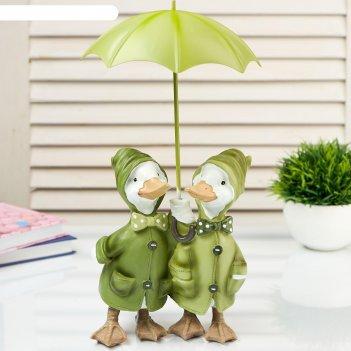 Сувенир полистоун пара уток в дождевиках под зонтом 27х14х15 см