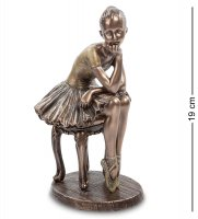 Статуэтка юная балерина