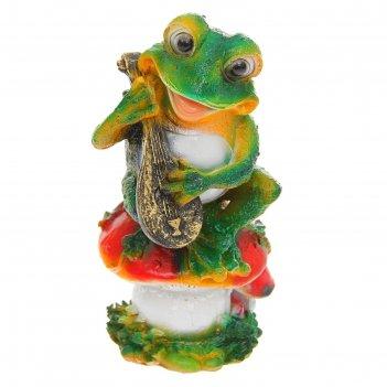 Садовая фигура лягушка с домрой полистоун f07790