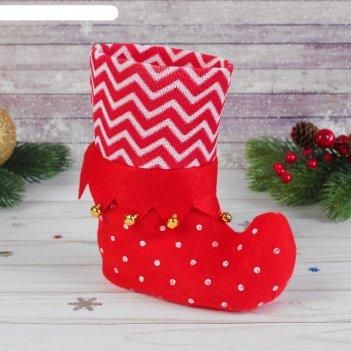 Подарочная упаковка сапожок красный с бубенцами