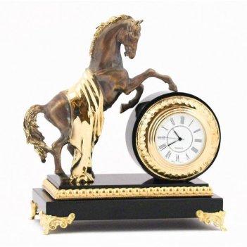 Настольные часы конь с попоной долерит