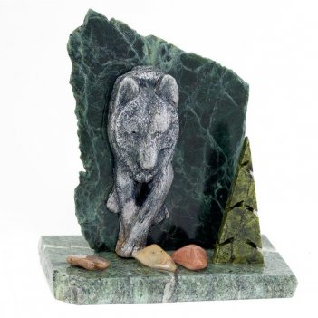 Сувенир волк камень змеевик