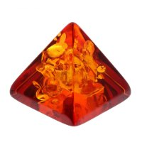 Сувенир из янтаря пирамидка маленькая 3,5х3,5 см