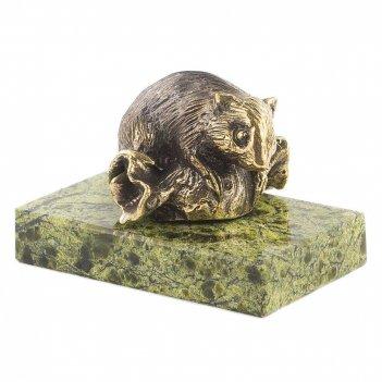 Статуэтка мышка на конфете бронза змеевик 50х30х35 мм 100 гр.