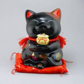 Японская кошка манеки неко богатство и успех, защита от злых сил!