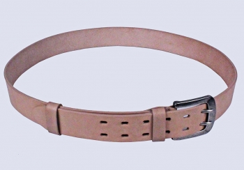 00516 пояс ремень мужской кожаный, однослойный, прошитый. фигурная пряжка.