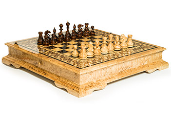 Большие шахматы из карельской березы  инкрустация перламутр 65х65см
