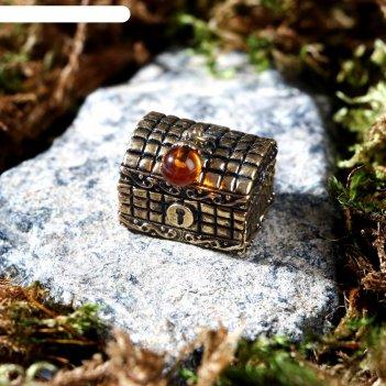 Сувенир из латуни и янтаря сундучок маленький 2,3х2 см
