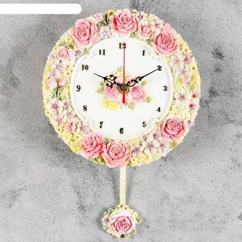 Часы настенные интерьерные с маятником лесные цветы и розы