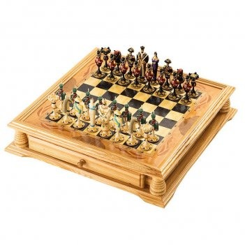 Шахматы в ларце с фигурами из хлебного мякиша 50х50см