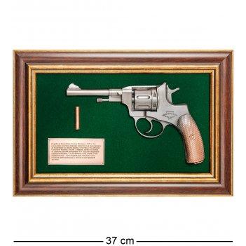 Пк-218 панно с пистолетом наган в подарочной упаковке 25х37