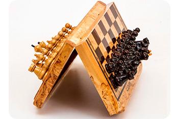 Шахматы из карельской березы складные 30х33см