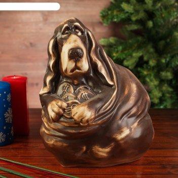 Фигура садовая собака бассет хаунд, на монетах, шамот