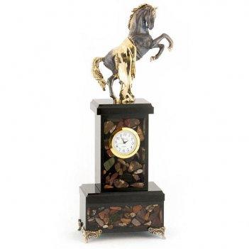 Часы конь с попоной камень яшма