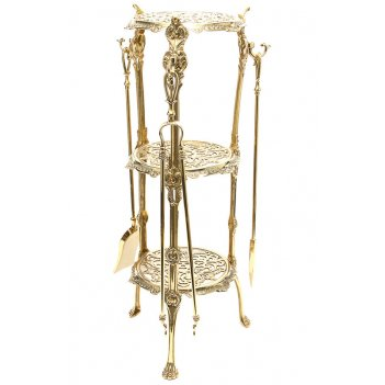 Столик с тремя каминными аксессуарами (совок, метелка, кочерга), 40х71 см