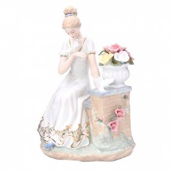 Фигурка декоративная девушка с голубями, l21 w14 h27 см