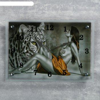 Часы настенные прямоугольные девушка и леопард, 25х35 см