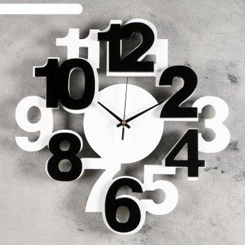 Часы настенные цифры бело-черные 40*40см