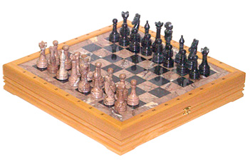 Шахматы каменные изысканные (высота короля 3,50) 43х43см