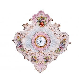 Часы настенные 51*48 см. циферблат диаметр=8 см.