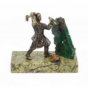 Статуэтка данила мастер бронза змеевик малахит 50х25х55 мм 50