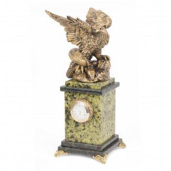 Часы орел змеевик 110х110х275 мм 2100 гр.