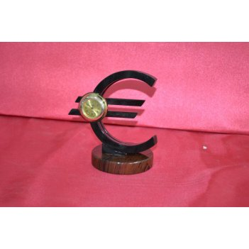 Знак евро обсидиан 150х100х160