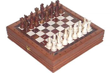 Шахматы каменные малые изысканные (высота короля 3,10) 34х34см