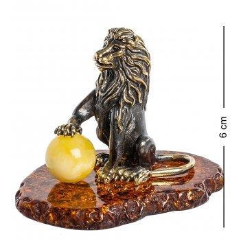 Am-407 фигурка лев с шаром (латунь, янтарь)