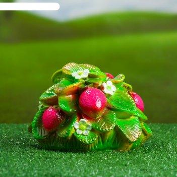 Садовая фигура куст клубники
