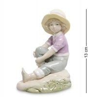 Vs-311 статуэтка девочка на отдыхе