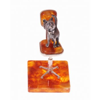 Сувенир из янтаря  котенок в офисе