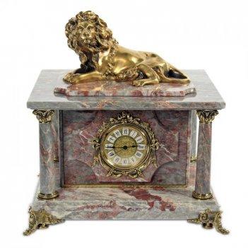Часы-сейф из серо-красного мрамора с лтвом