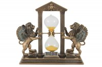 Часы песочные львы